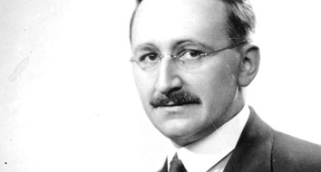 F.A. Hayek on 'the Supreme Rule' That Separates Collectivism From Individualism