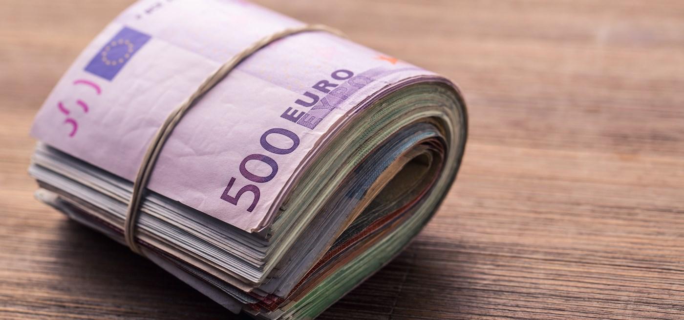 euro_cash.jpg?anchor=center&mode=crop&he