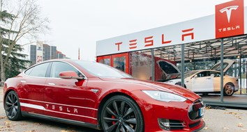 Tesla Takes on Crony Car Dealerships