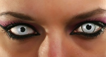 Horror: Pirate Contacts Lenses!