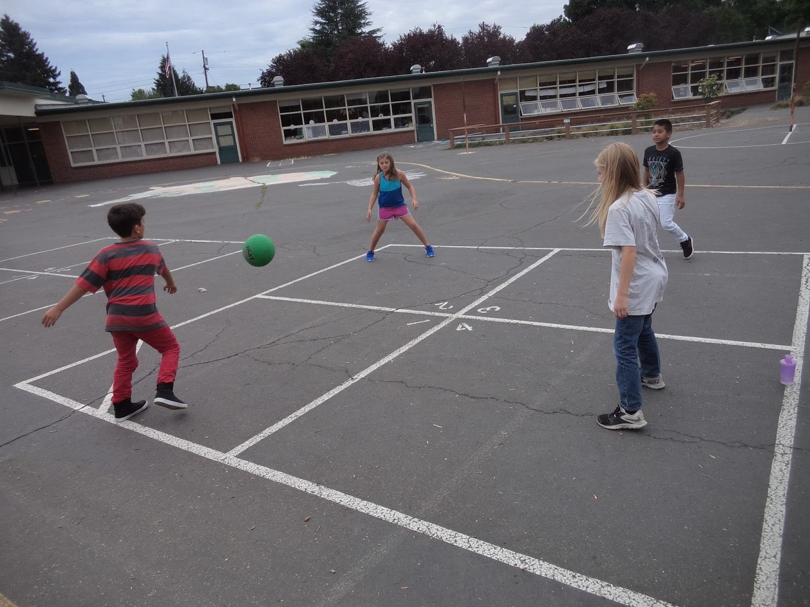 The Ordered Anarchy of Playground Games - Foundation for Economic ...