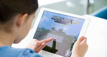 What Minecraft Can Teach Kids About Economics and Life
