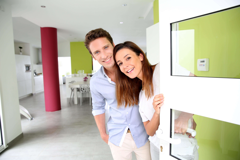 Что делает молодая пара когда остается одна в доме