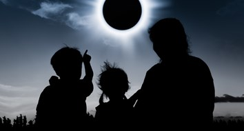 Mom Receives Visit from the State Over Eclipse Field Trip