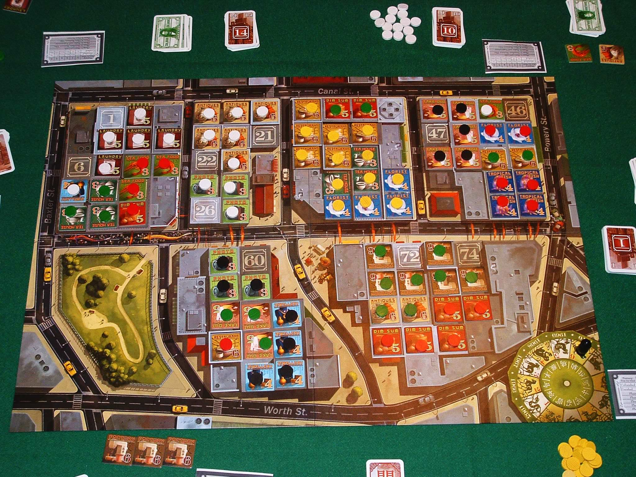 EXPLORE THE WORLD THE GAME OF WHO WHERE /& WHAT EDUCATIONAL BOARD GAME OUTSET