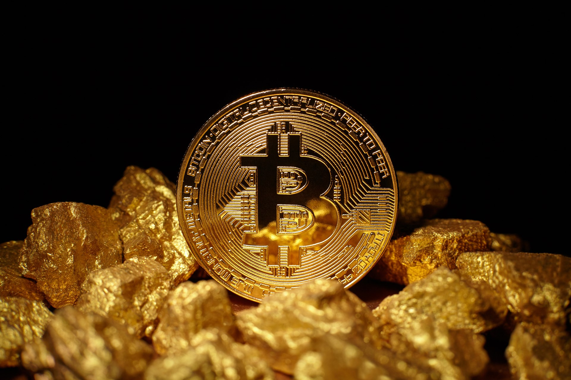 Combining bitcoin with gold foundation for economic education technology bitcoin blockchain cryptocurrency gold payments systems payments investment royal mint gold onegram ozcoingold digix glint dinarcoin goldmint ccuart Images