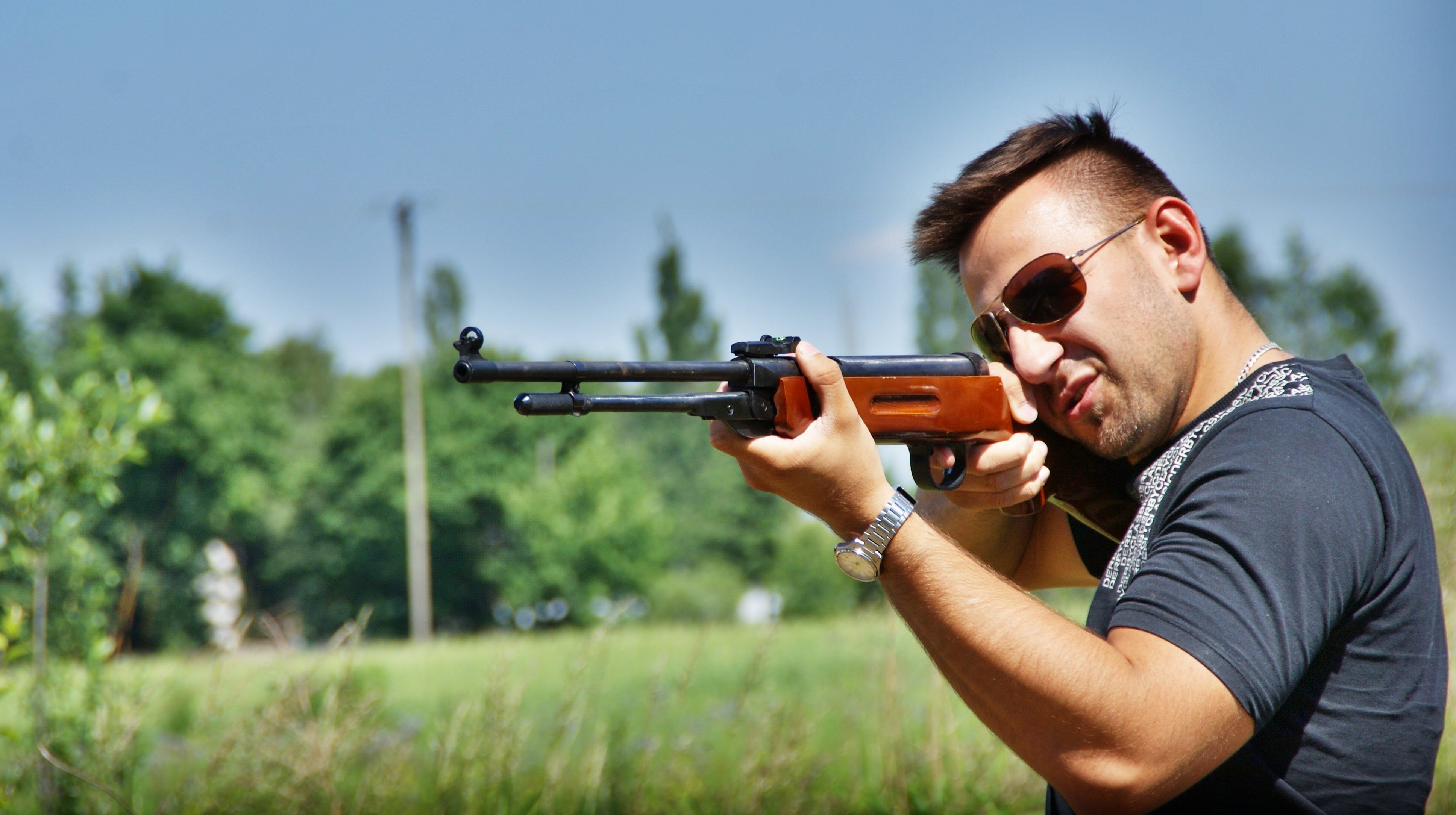 United nations hiring disarmament officers to take american guns