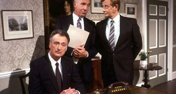 "The BBC's ""Yes Minister"" Is Everything You Need to Know about Government"