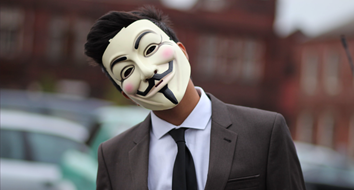 """V for Vendetta"" Shows How Crises Are Exploited to Destroy Liberty"