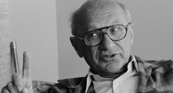 "Milton Friedman's Introduction to ""The Road to Serfdom"" Reveals How Much America Has Changed"