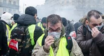 How France's Yellow Vest Protesters Are Different from America's Tea Party