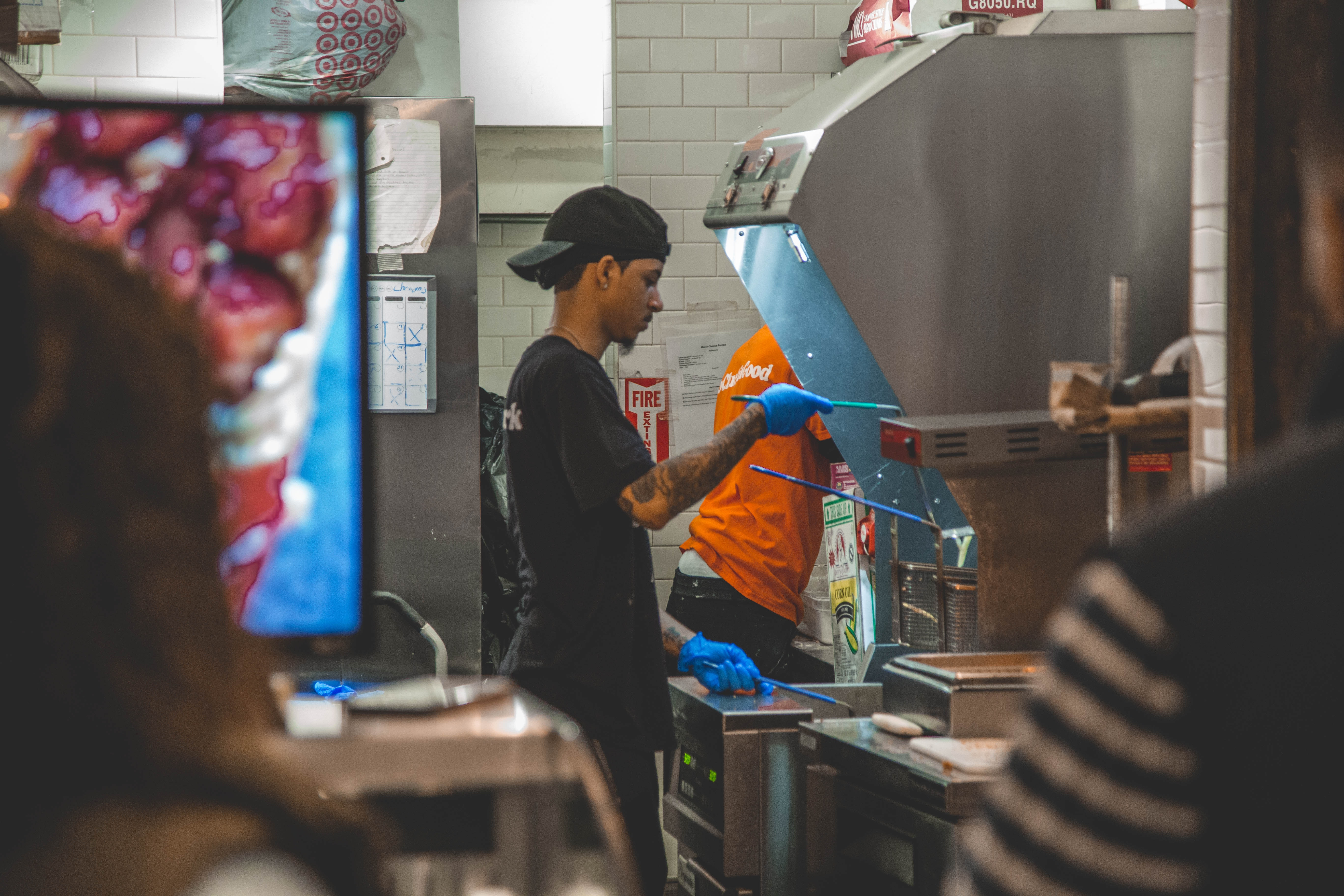 3 Groups of People Disproportionately Harmed by Minimum Wage Laws